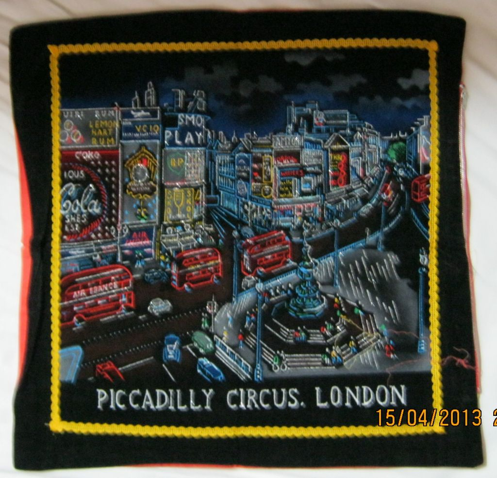 "RETRO 70's ""Piccadilly Circus' London Tourist  Souvenir Cushion Cover"