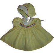 "Adorable Vintage Yellow With Pique Trim Dress & Bonnet Factory Set For 20"" Dy-Dee"
