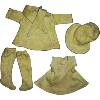 Vintage Vogue Dress and Eiderdown Coat Set For Composition Cynthia Doll