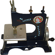 "Vintage Toy Sewing Machine ""Little Mother"""