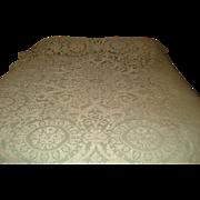 Beautiful Quaker Lace Tablecloth
