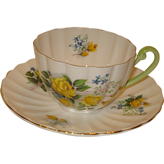 Shelley Yellow Rose Spray Cup & Saucer Ludlow Shape