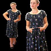 1950s Parasol Ladies Novelty Print Dress S/M