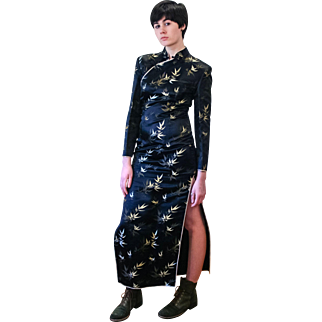 1960s Asian Black Gold Cheongsam Dress M