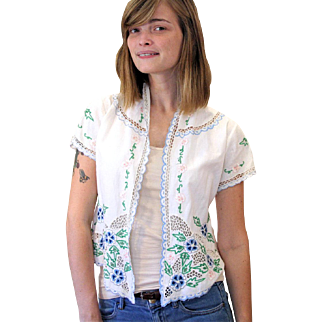 1970s Embroidered Floral White Lace Indonesian Jacket Top