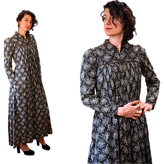 1870s Victorian Mother Hubbard Maternity Dress
