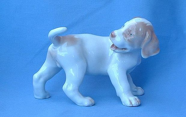"Bing & Grondahl German short hair pointer pup 6""  #2026"
