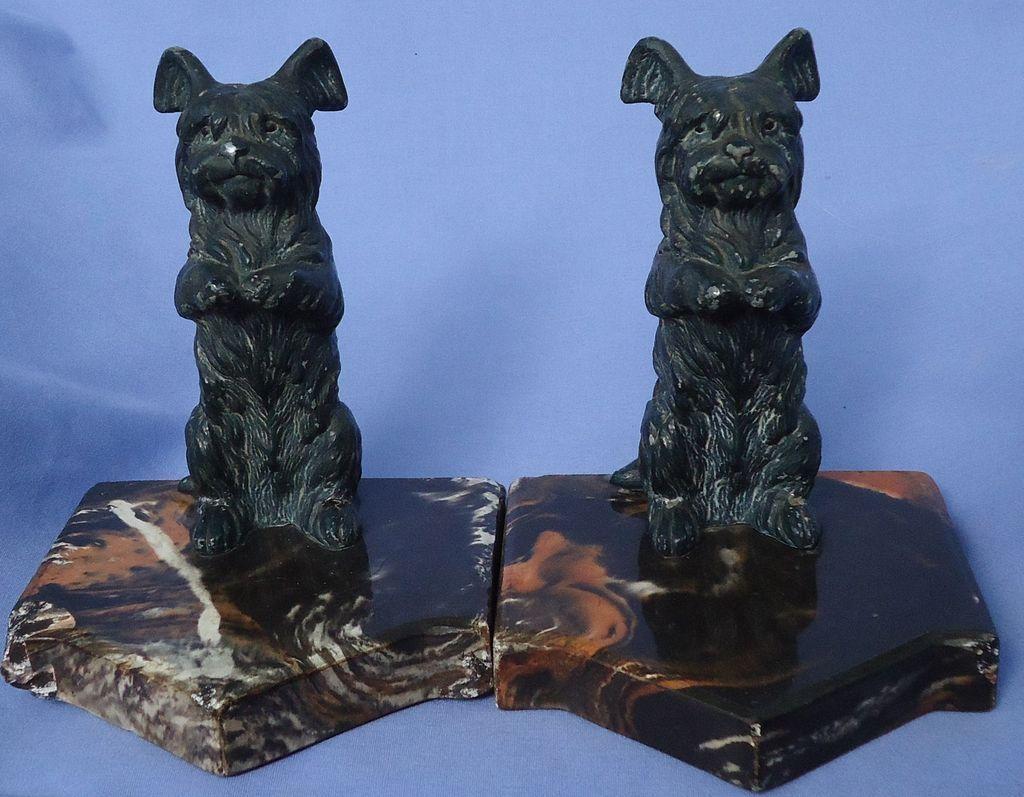 Skye Silky terrier Briard bookends Austria