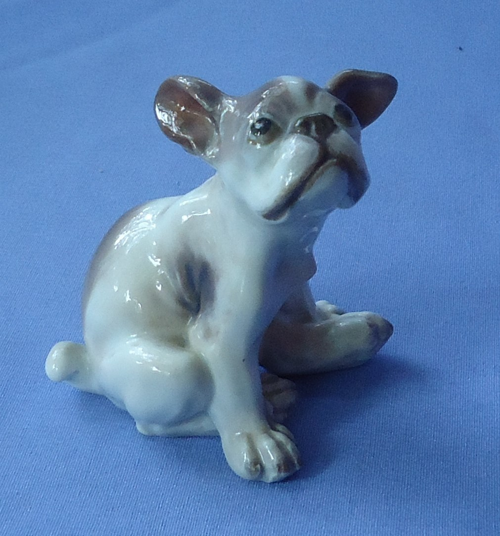 1930s Dahl Jensen French bulldog