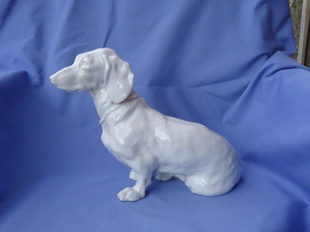 Nymphenburg Dachshund 12""