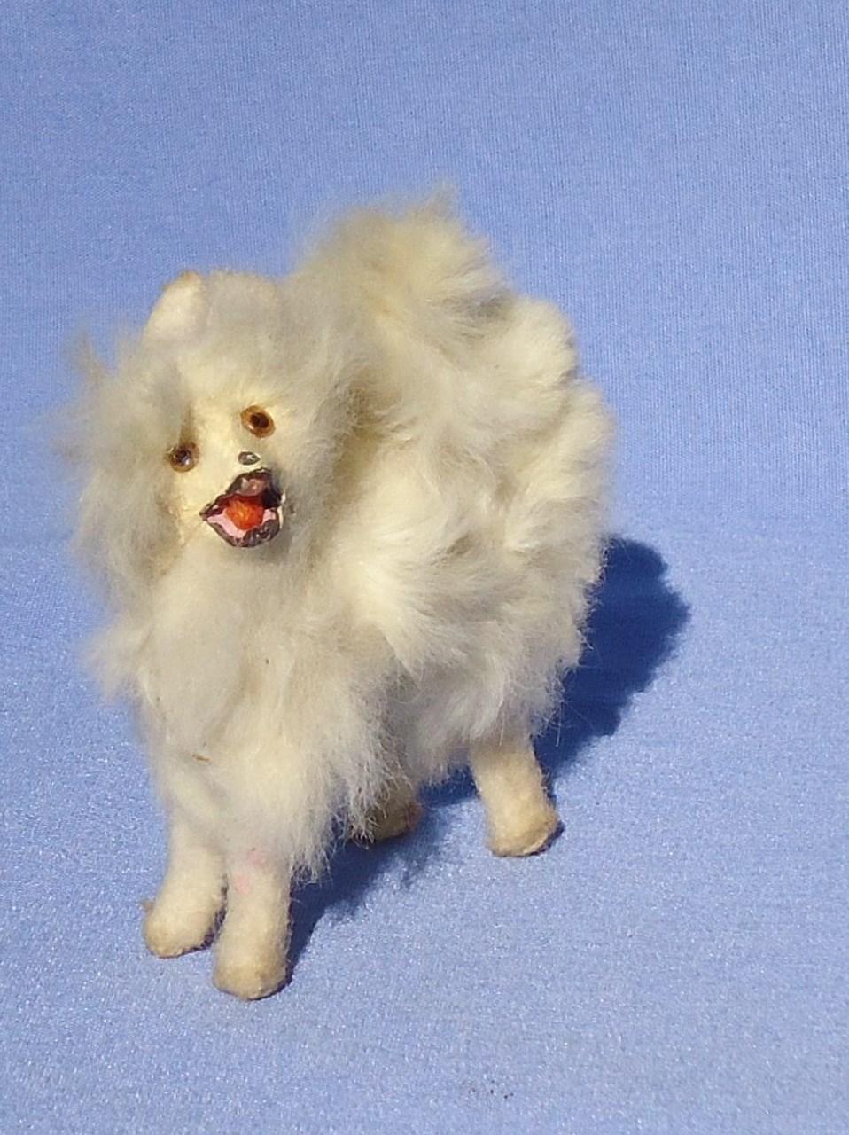 Antique Fur Spitz Samoyed Pomeranian Dog French Fashion