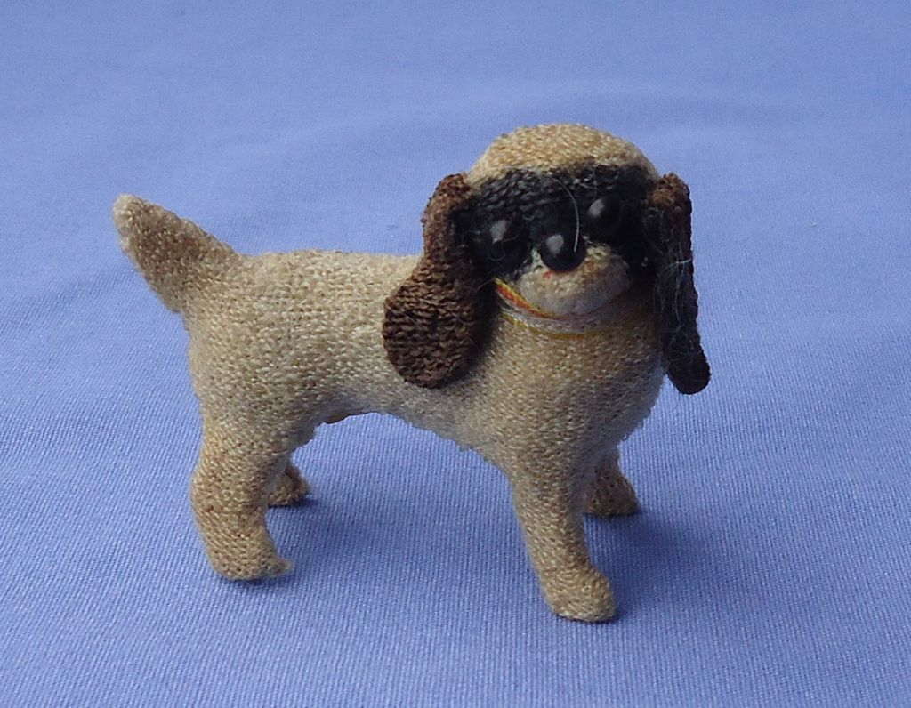 antique Cavalier King Charles spaniel salon dog Germany French fashion doll / dollhouse