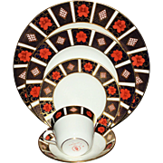 """Royal Crown Derby """"Old Imari"""" Dinnerware-Service for 8"""
