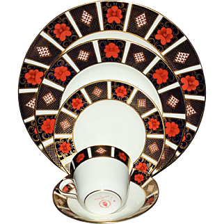 "Royal Crown Derby ""Old Imari"" Dinnerware-Service for 8"