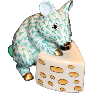 Herend Fishnet Mouse With Cheese