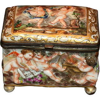 Vintage Capodimonte Box With Putti/Cherubs