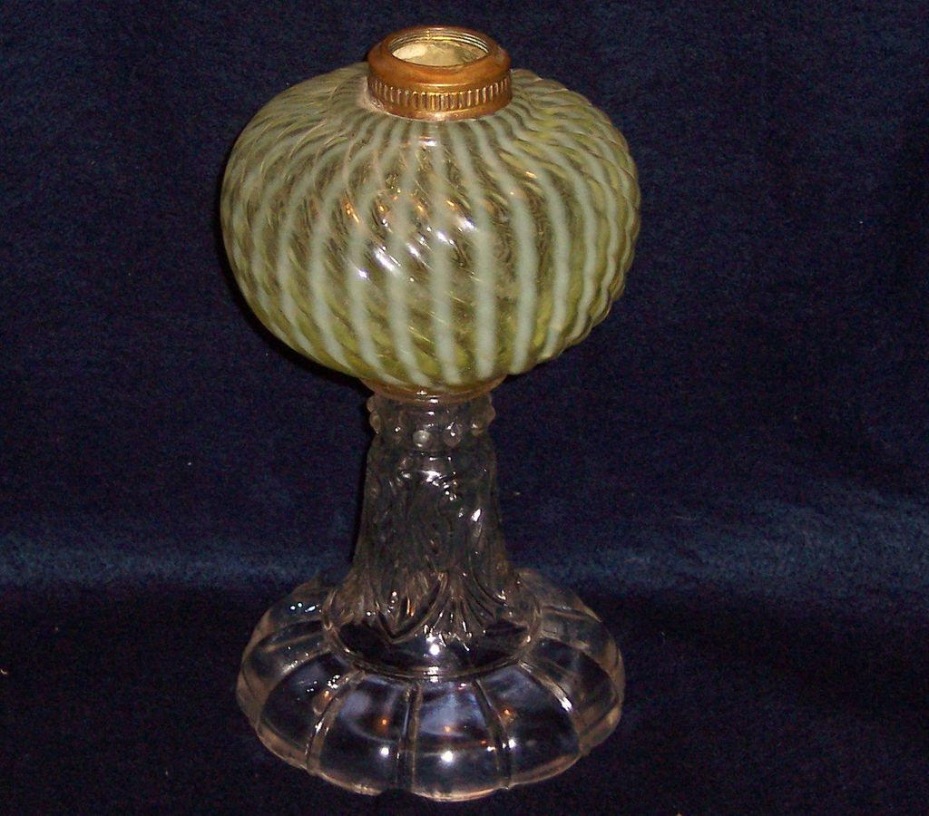Buckeye Glass Sheldon Swirl Canary Vaseline Oil Lamp