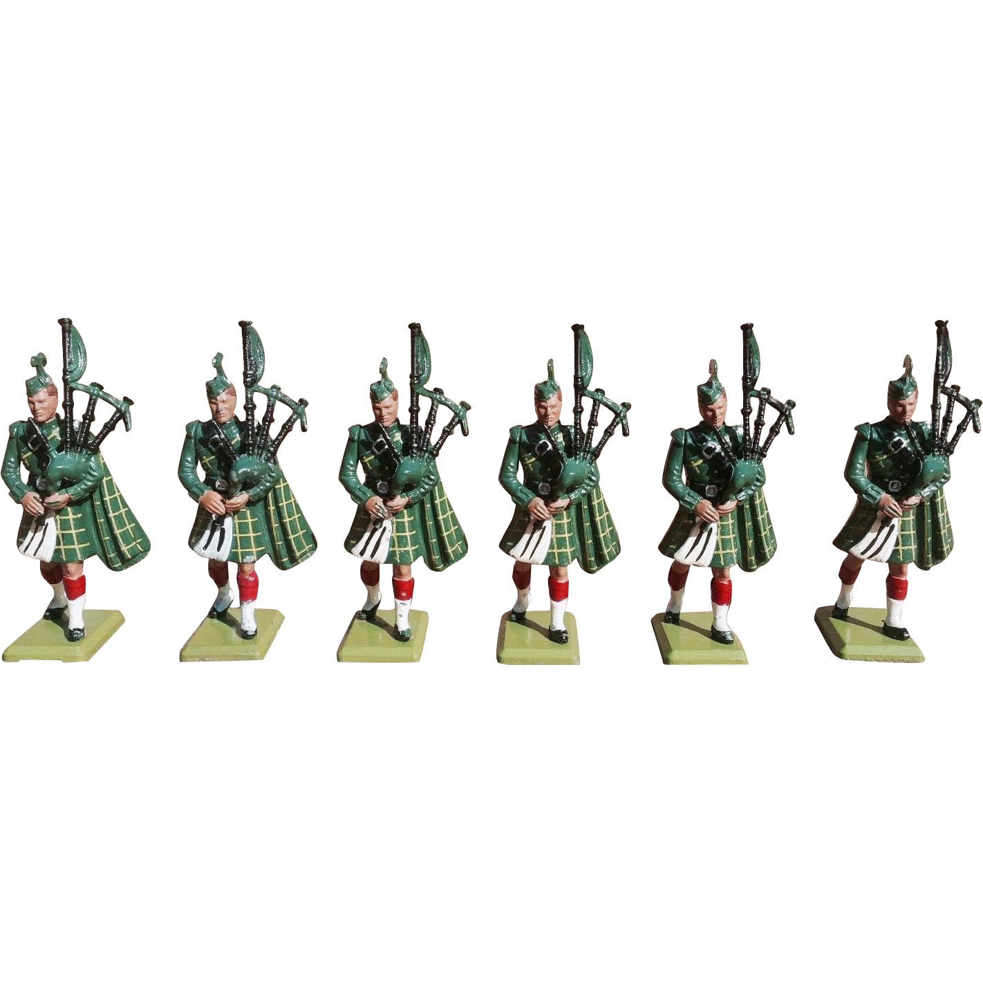 Britains 6 Gordon Highlander Pipers  Toy Soldiers  No. 7242