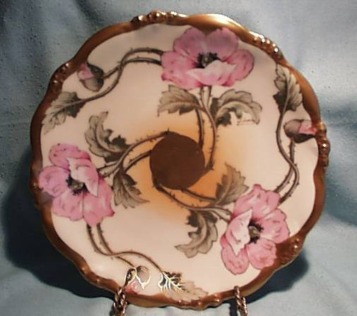 Limoges Elite Plate - Hand Painted - 1900-1914 - Artist Signed.