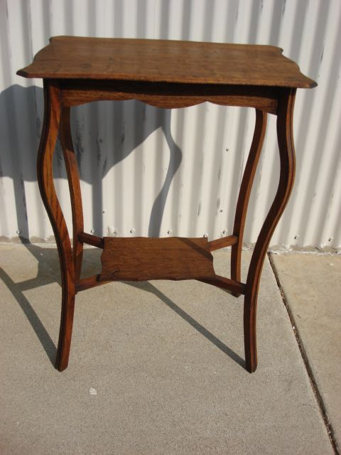 Beautiful American Antique Victorian Side Table Antique Lamp Table Antique Stand