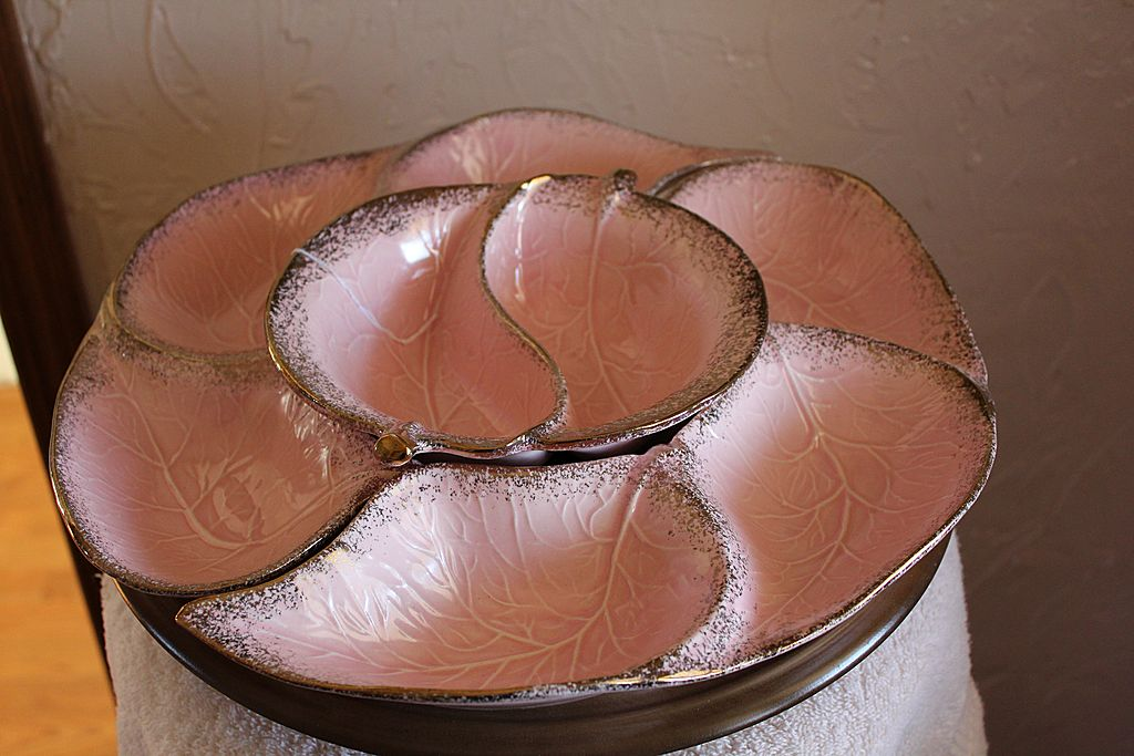 California Pottery Lazy Susan - Pink With Gold Speckles