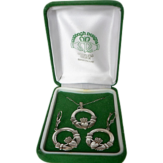 Vintage Irish Claddagh Sterling Silver Pendant Necklace & Pierced Loop Earring Set MIB