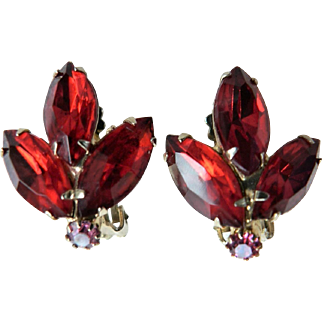 Vintage Weiss Red Rhinestone Marquise Clip Earrings