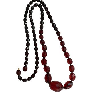 Spectacular Art Deco Vintage Faceted Cherry Amber Bakelite Bead Long Necklace