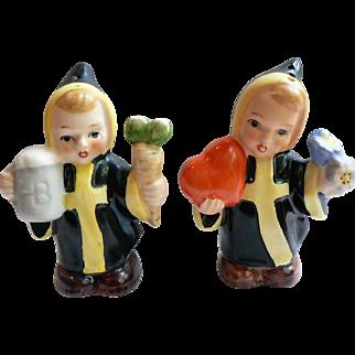 Rare W. Germany Hummel Goebel Munich Monk Children Salt Pepper Shakers TMK-5 Bee Mark