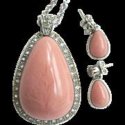 Avon Book Piece Faux Pink Coral Pale Fire Demi Pendant Necklace & Pierced Earring Set 1970s