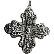 Reed & Barton Sterling Silver Christmas Cross Ornament / Pendant 1972