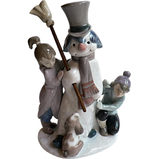 """Vintage Lladro Porcelain # 5713 Figural Grouping """"The Snowman"""""""