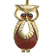 Vintage Large OWL Pendant Necklace Cabochon Glass Eyes & Lucite Body