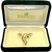 MIKIMOTO 14k Gold Cultured Pearls Pin Mint in Original Mikimoto Box