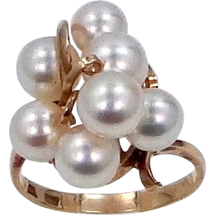 14k Gold Cultured Pearls Ring
