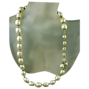 Miriam Haskell 1940's Large Faux Baroque Pearls Necklace