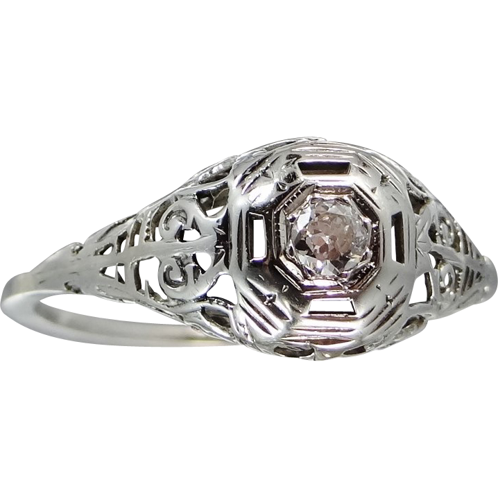 14k White Gold Art Deco Filigree Diamond Ring