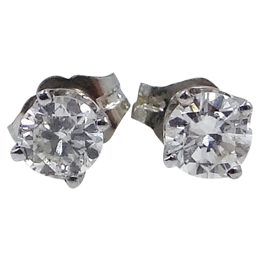 14k White Gold 0.60 Carat Diamond Earrings