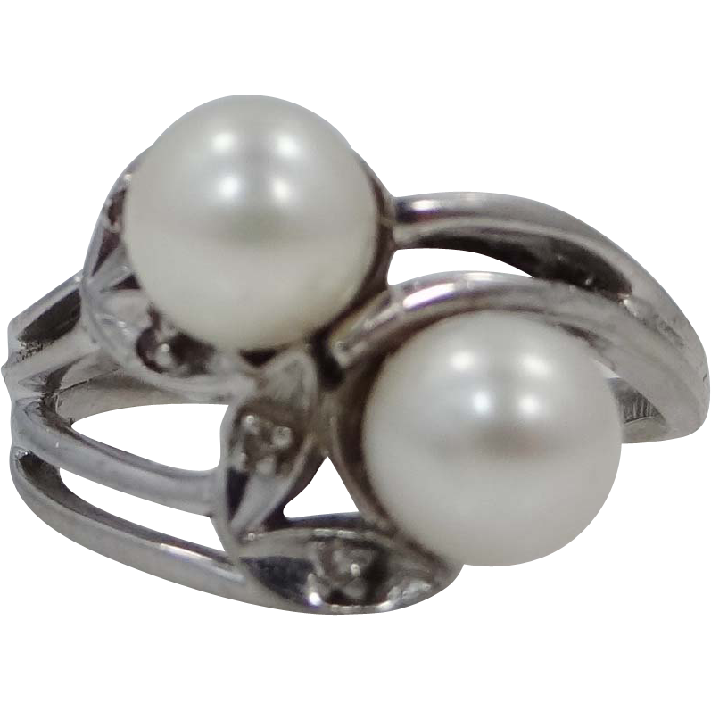14k White Gold Diamonds & Cultured Pearls Ladies Ring