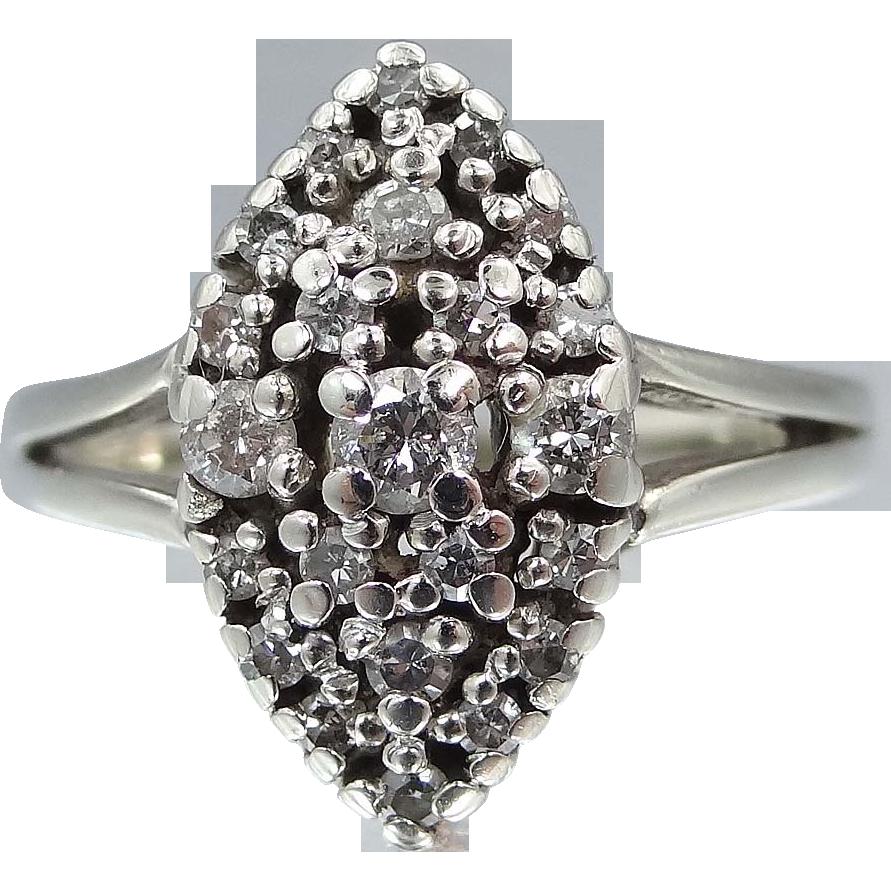 Ladies 14k White Gold & Diamonds Art Deco Ring