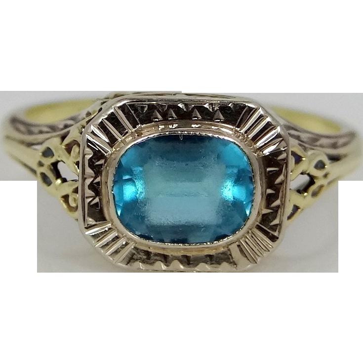 14k Gold Filigree Art Deco Ring Blue Paste Stone