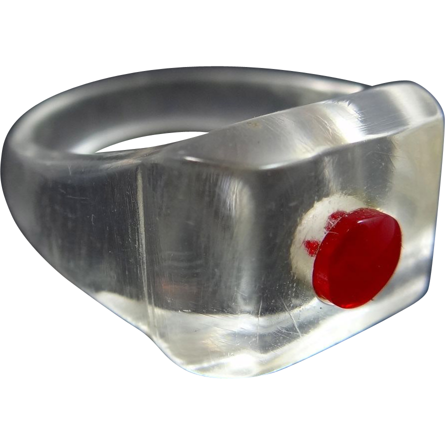 Ladies Circa 1960's Clear & Red Lucite Size 7 3/4 Ring