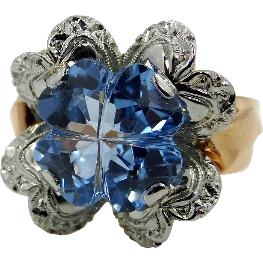 18k Rose Gold and White Gold 5 Carat Aquamarine Retro Ring with Heart Motif
