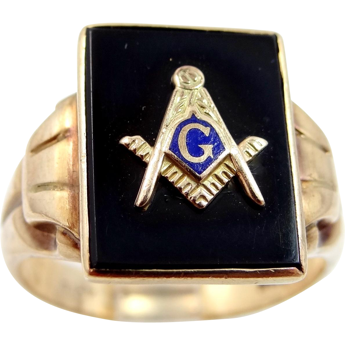 Antique 10k Gold Masonic Ring with Enamel and Onyx