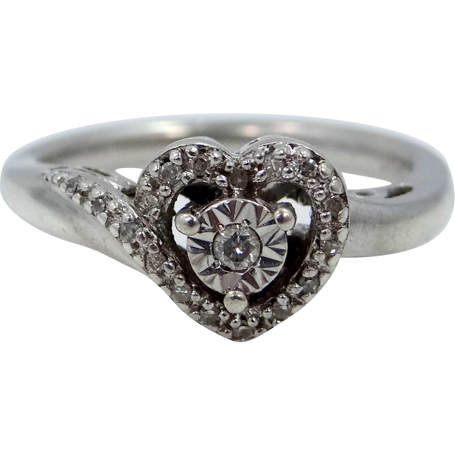 Pretty Heart Shaped Diamond Ring