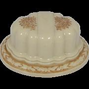 """Rich Art Deco Cream Colored Ring Box """"D"""""""