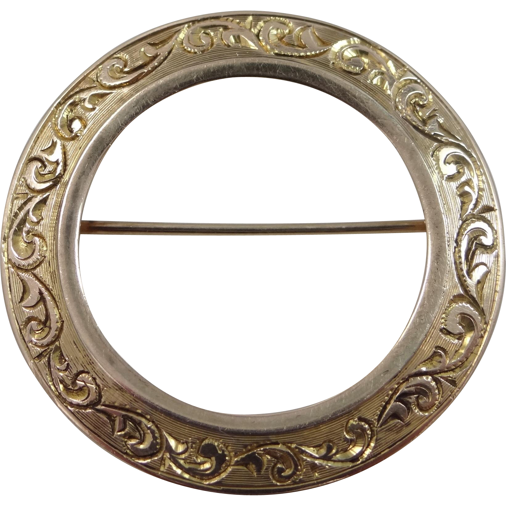 14k Solid Gold Finely Etched Memorial Circle Pin Circa 1911