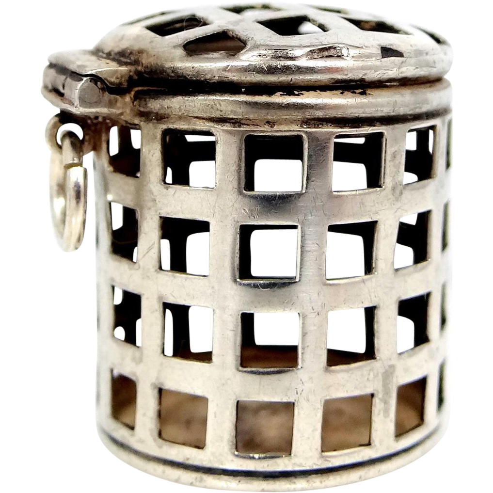 Unger Bros. Sterling Silver Victorian Thimble Holder