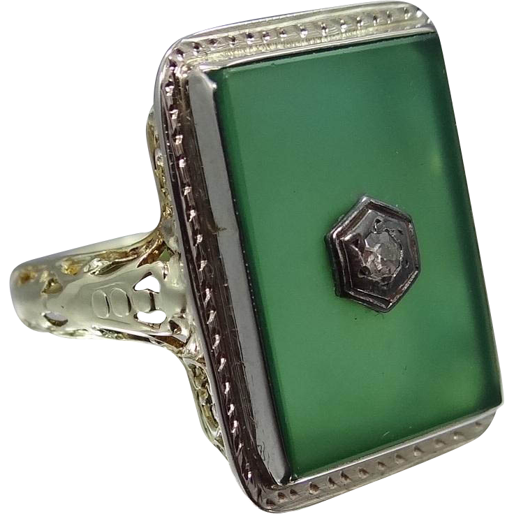 14k Gold Chrysoprase & Diamond Art Deco Filigree Ring