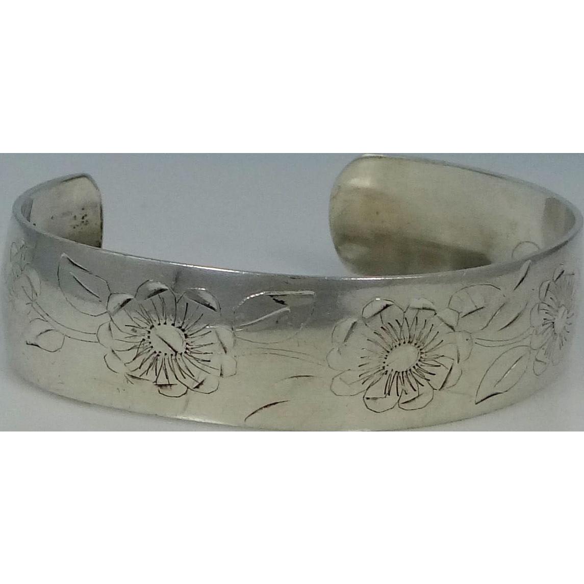 NOBSKA Sterling Silver Cuff Bracelet in the Daisy Pattern